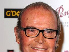 James Garner Dies at 86: Kaley Cuoco, Reese Witherspoon and More Pay Tribute